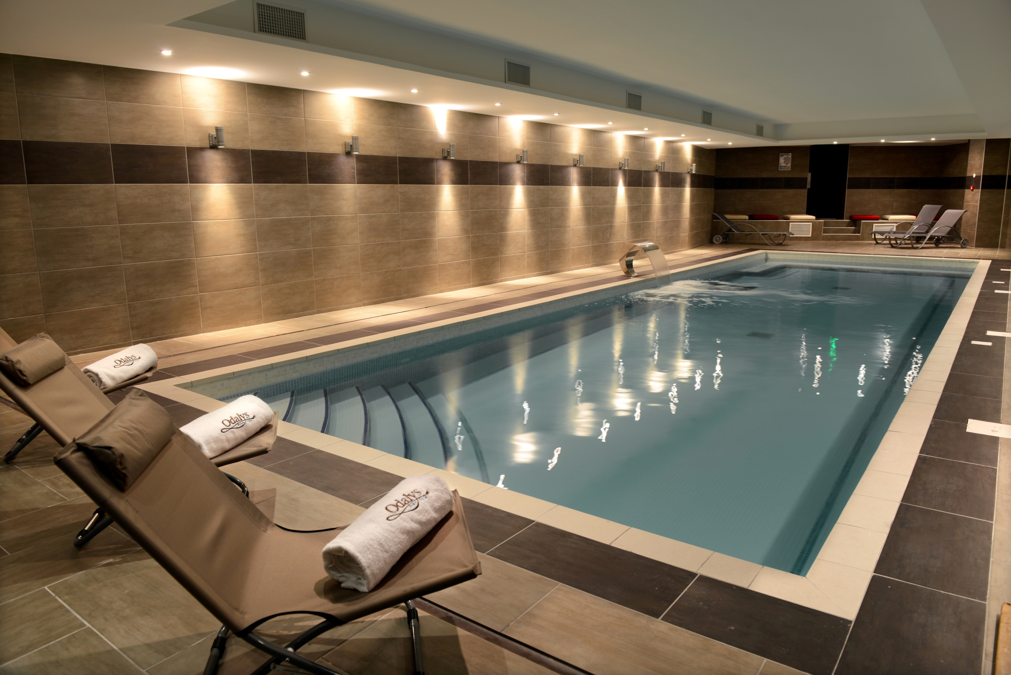 Le spa appart 39 h tel et spa ferney gen ve for Piscine et spa